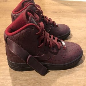 Nike sneakers almost brand new only worn once